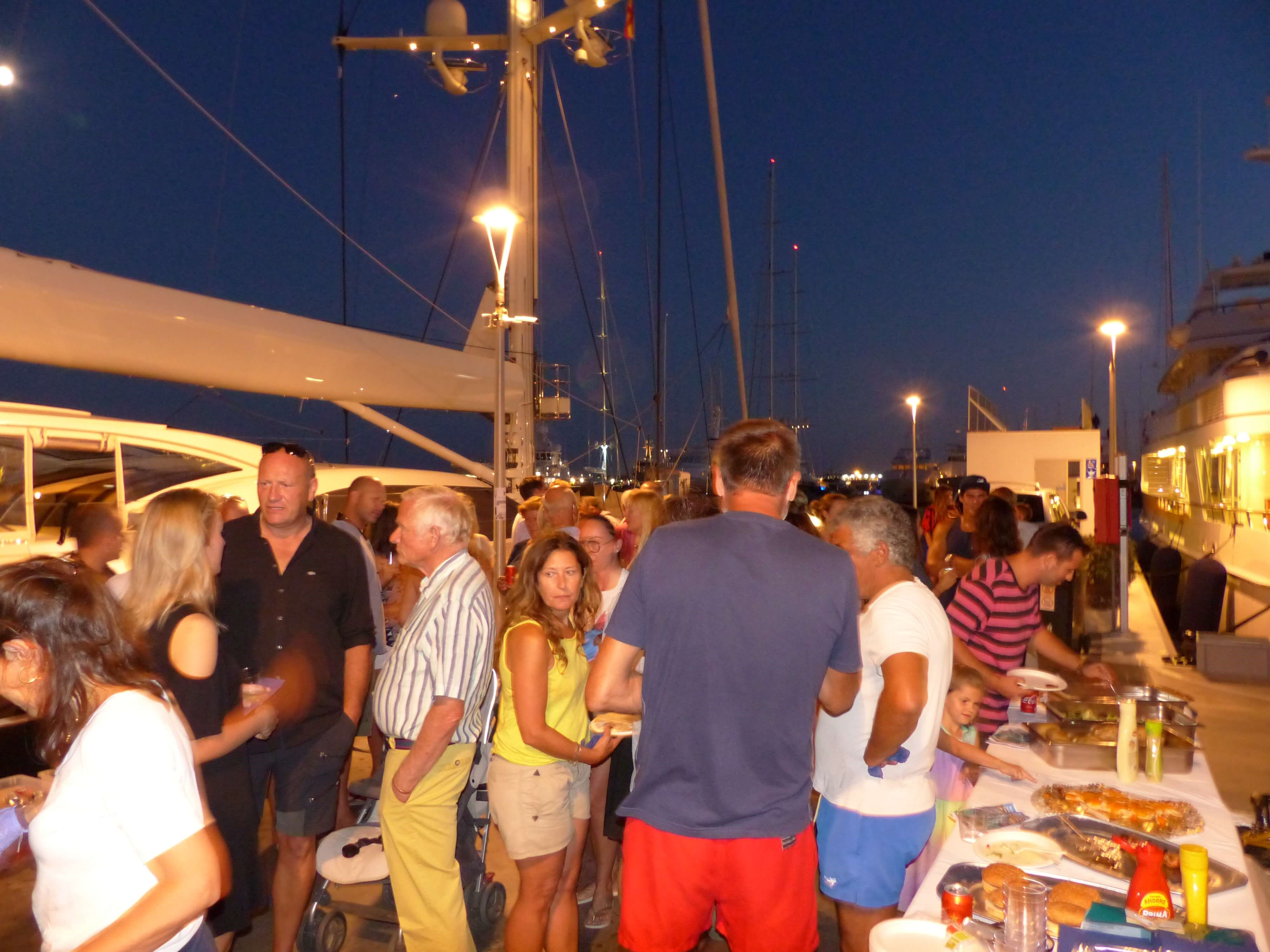Marina Palma Cuarentena organizes a barbecue with environmental awareness